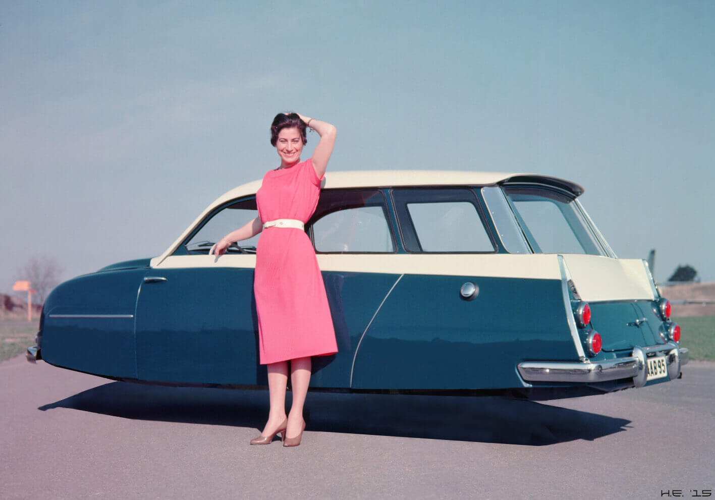 An anti gravity vehicle image from the 1950's. Was anti gravity already available at that time?