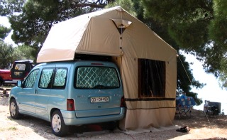 The German Autocamp rooftent