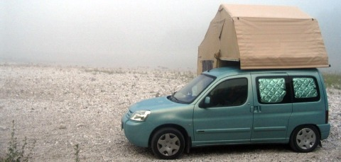 Small campers- the Citroen Berlingo with a roof tent is merely one of the examples.
